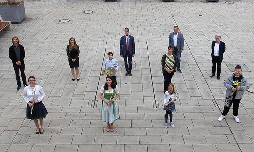 Die Nachwuchsmusiker wurden auf dem Kapfenberger Hauptplatz ausgezeichnet