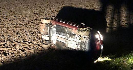 Die Feuerwehr Arnfels barg das Auto mittels Seilwinde