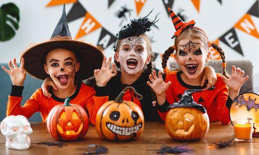 Kinder stöbern am liebsten durch Halloween-Artikel, trotzdem bleibt der große Ansturm aus