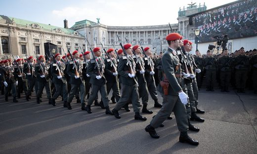 Bundesheer-Parade am Heldenplatz zum Nationalfeiertag 2018
