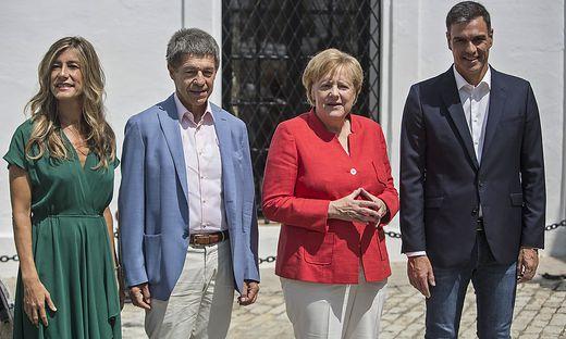 Pedro Sanchez, Angela Merkel, Joachim Sauer