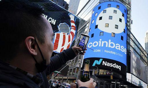 Nach dem Börsengang legte Coinbase ein Kursfeuerwerk hin