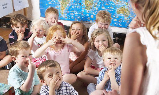 Für eine Reduktion der Gruppengröße setzen sich die Mitarbeiter von Kinderbetreuungseinrichtungen ein