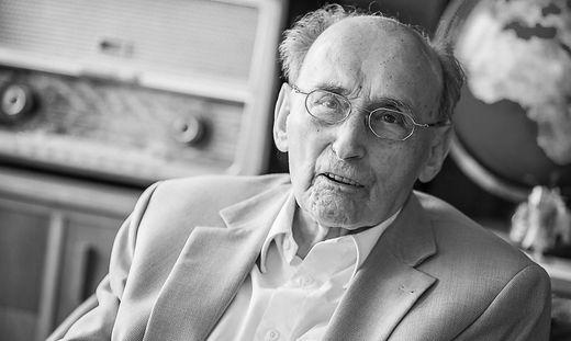 Stritzl war bis zuletzt aktiv. Seine letzte publizistische Arbeit erschien Mitte April in der Kleine Zeitung