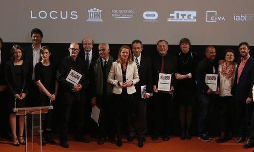 Initiatorin Jana Revedin mit den diesjährigen Preisträgern