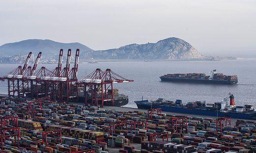 Vor allem der Export stützt das Wachstum in China. Im Bild: Der Hafen Shanghai