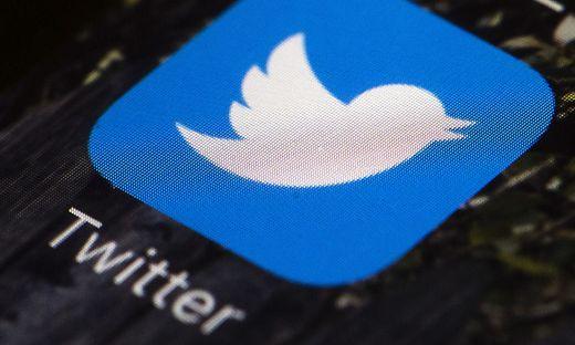 Erster Gewinn, stagnierende Nutzerzahlen — Twitter