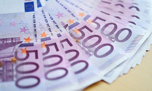 ++ ARCHIVBILD/THEMENBILD ++ 500-EURO-GELDSCHEINE
