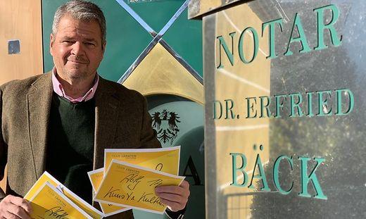 Gerhard Köfer hat die Kuverts im Dezember 2018 beim Notar hinterlegt