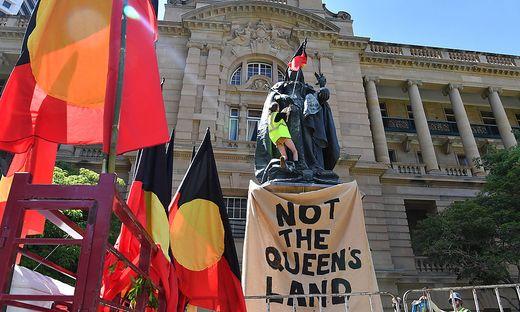 In der Metropole Brisbane im Bundesstaat Queensland erlaubt man sich ein Wortspiel: Kein Land der Queen