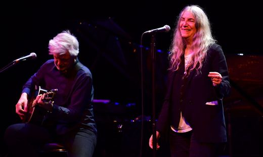 Tony Shanahan und Patti Smith