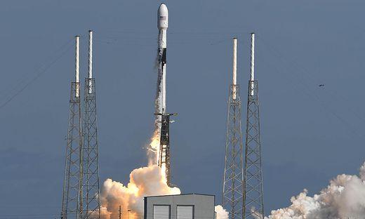 60 weitere Satelliten des Starlink-Projekts wurden gestartet