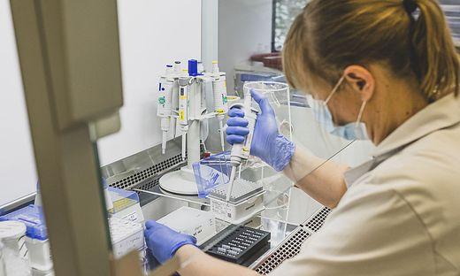 Reportage PCR Tests Landes-Untersuchungslabor ILV Institut fuer Lebensmittelsicherheit und Veterinaerwesen Klagenfurt Jaenner 2021