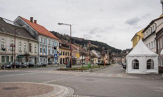 Das Land kündigt verstärkte Kontrollen und Testungen in Bad St. Leonhard an