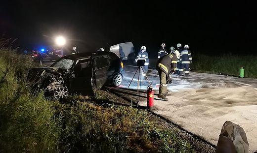 Beim Unfall auf der Loiblpass Straße wurden drei Personen verletzt