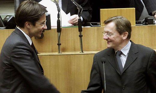 In schwarz-blauer Koalition tauschten ÖVP-Kanzler Wolfgang Schüssel und FPÖ-Finanzminister Karl-Heinz Grasser im Jahr 2000 den ÖIAG-Ausichtsrat im Handstreich aus