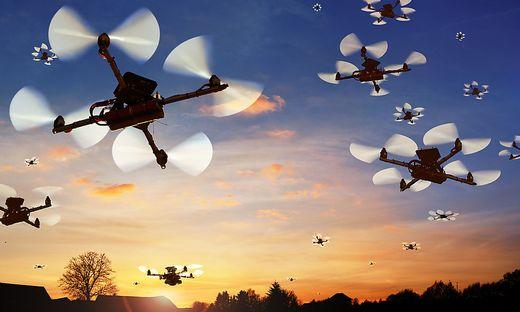 Zu Tausenden werden Drohnen in Zukunft den Luftraum über Österreich bevölkern. Die Sicherheit soll dabei oberstes Gebot sein
