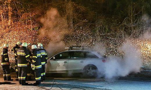 Kameraden der Feuerwehren Köttmannsdorf und Kirschentheuer konnten den Brand rasch löschen