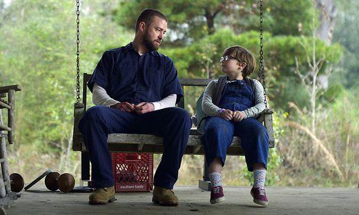 """Justin Timberlake und Ryder Allen im Film """"Palmer"""""""