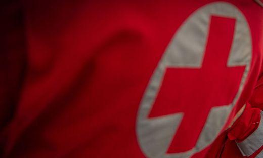 Der Lenker wurde von der Rettung ins Klinikum Klagenfurt eingeliefert (Sujetbild)
