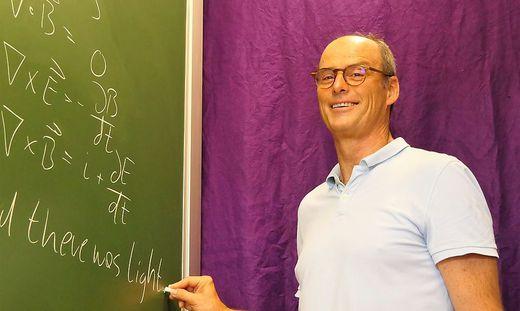 """""""Ein Fach für den Geist, ein Fach für den Körper"""": Dieter Winkler trainierte Schüler, die ab morgen in Israel dabei sind"""