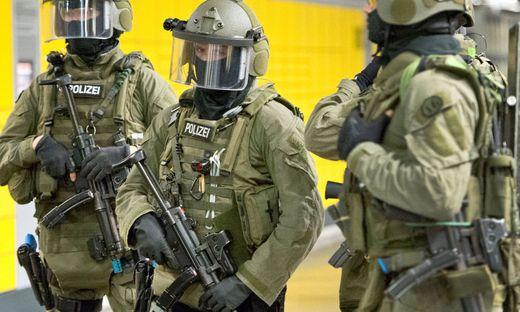 Frankfurt Musikvideo-Dreh rief Spezialkräfte der Polizei auf den Plan