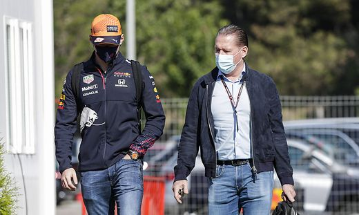 33 Max Verstappen (NED, Red Bull Racing) and his father Jos Verstappen, F1 Grand Prix of Spain at Circuit de Barcelona-