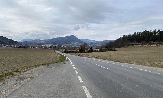 Die Seeberg Straße nach St. Veit/Glan - nicht der ideale Ort für siebenjährige Scooter-Fahrer