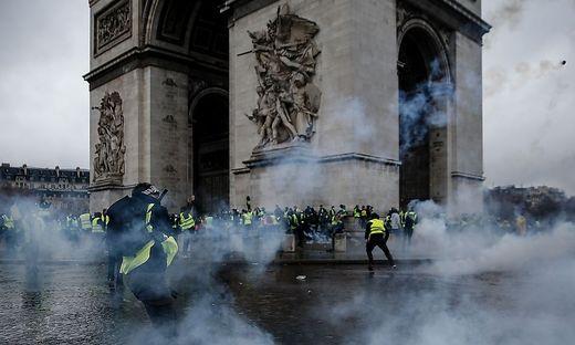 Bei den Protesten der Gelbwesten wurde der Triumphbogen schwer beschädigt
