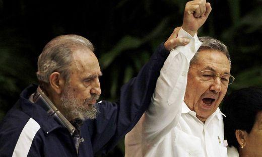 Fidel und Raúl Castro im Jahr 2011. Der Máximo Líder starb 2016