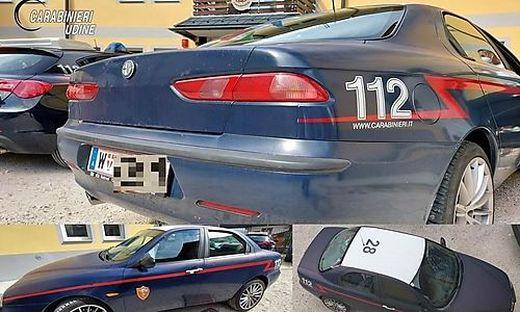 Dieses Auto eines österreichischen Carabinieri-Fans wurde in Tarvis aus dem Verkehr gezogen