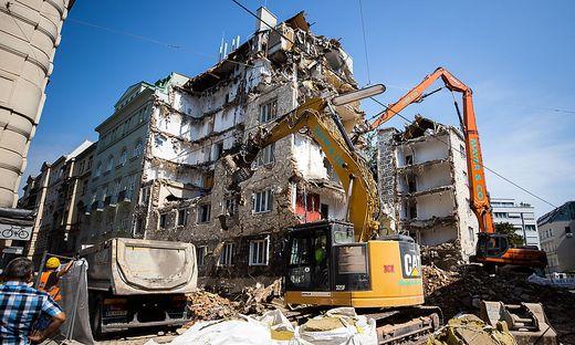 Das Gebäude bei seinem Abriss