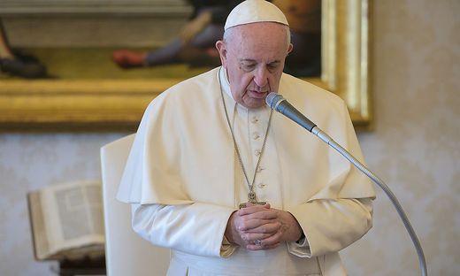 VATICAN-POPE-AUDIENCE-HEALTH-VIRUS