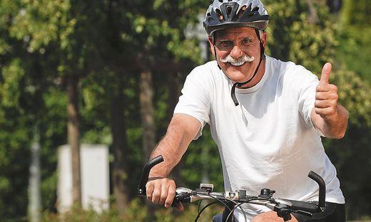 Fahrradfahrer BLWX031284 Copyright xblickwinkel McPhotox BerndxLeitnerx