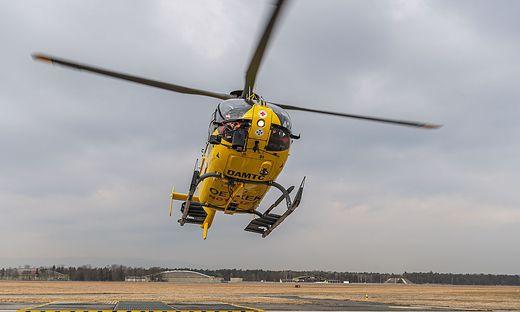 Der verletzte 18-Jährige wurde mit dem Hubschrauber ins UKH Graz gebracht