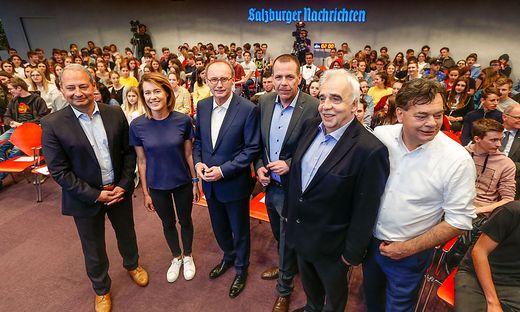 DIe EU-Spitzenkandidaten Andreas Schieder (SPÖ), Claudia Gamon (Neos), Othmar Karas (ÖVP), Harald Vilimsky (FPÖ), Johannes Voggenhuber (Jetzt) und Werner Kogler (Grüne) trafen heute in Salzburg aufeinander.