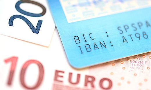 Internetbetrüger haben 23.000 Euro auf ein Konto eingezahlt und dann weiterüberwiesen