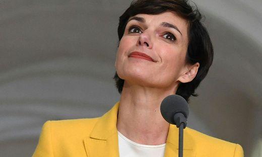 In Sachen Sondierungen ortet SPÖ-Chefin Pamela Rendi-Wagner beim Tiroler Kollegen gewisse Defizite