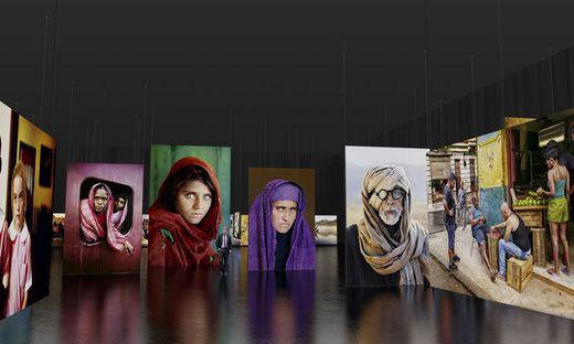 140 großformatige, hinterleuchtete Bilder von Steve McCurry werden in der Ausstellung zu sehen sein