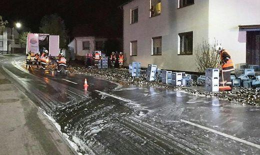 BURGENLAND: SATTELSCHLEPPER VERLOR RUND 500 KISTEN BIER IM MITTELBURGENLAND