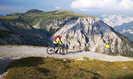 Mit dem E-Bike geht es komfortabel durch den Naturpark