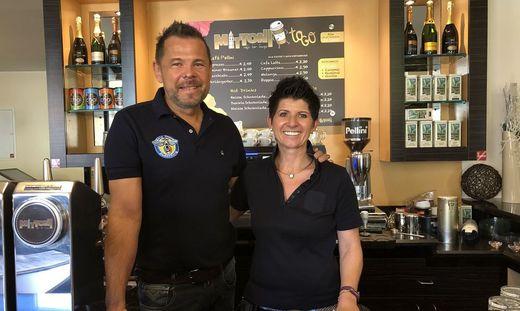 Michael und Michaela Mehr: In ihrem Café Mittoni wird ab sofort nicht mehr geraucht