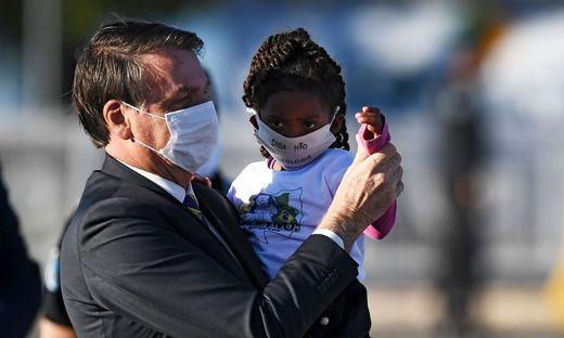"""Brasiliens Präsident Jair Bolsonaro hält Corona für """"eine kleine Grippe"""""""