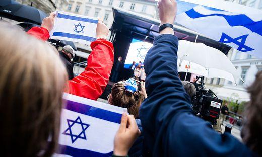 SOLIDARITAeTSKUNDGEBUNG ISRAELITISCHE KULTUSGEMEINDE (IKG) U.A. JUeDISCHE JUGENDORGANISATIONEN FUeR ISRAEL UND GEGEN ANTISEMITISMUS IN NAHEN OSTEN