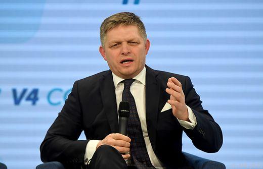 Slowakei Slowakischer Regierungschef Fico bietet Rücktritt an