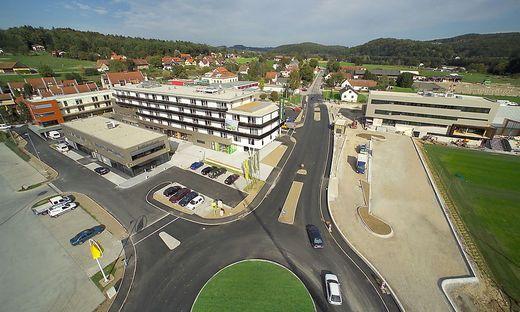 Harts neues Ortszentrum 2006 feierlich eingeweiht.