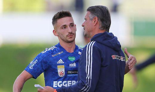 Donis Avdijaj mit Hartberg-Trainer Kurt Russ