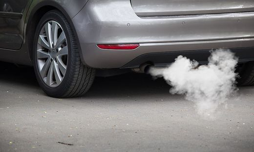 Die Nova für emissionsstarke Autos soll steigen, statt E-Fahrzeugen sind künftig auch Autos mit Wasserstoffantrieb befreit