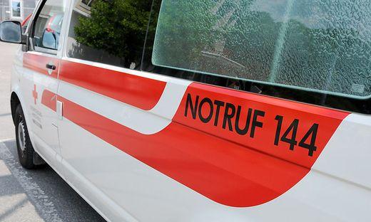 Ein 24-Jähriger wurde von der Rettung ins Klinikum Klagenfurt transportiert