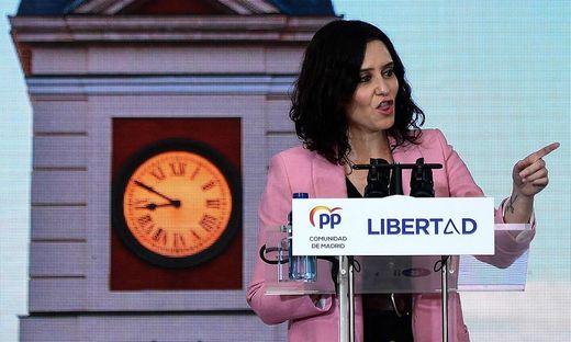 """Madrids Regionalpräsidentin und """"Königin der Kneipen"""" Isabel Díaz Ayuso"""